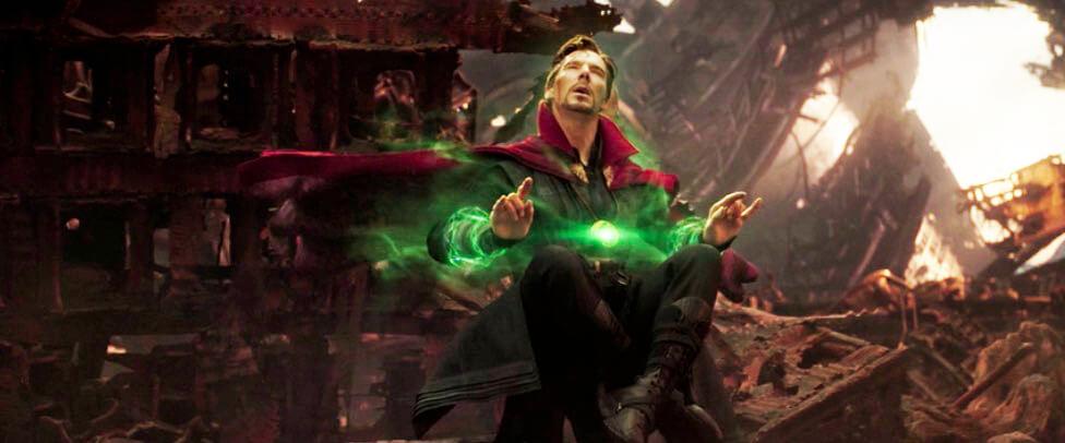 avengers-infinity-war-dr-strange-sees-futures